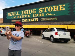 Robert taking a selfie at Wall Drug, July 11, 2017